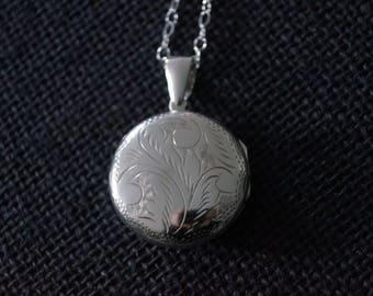 Vintage Sterling Silver Locket - Vintage Silver Locket - Vintage Round Locket with chain - 1995 - Vintage Locket - Round Silver Locket