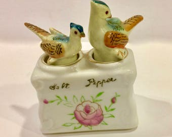Vintage Pheasant Nodders Salt and Pepper Shakers, Hand painted Rockers, Collectible Set, Ceramic Porcelain, Souvenir Made in Japan, 1940s