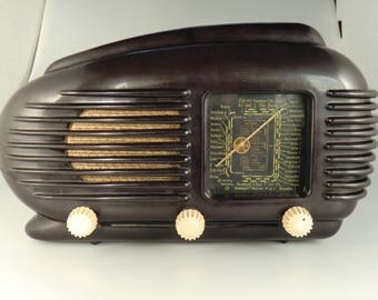 Bohemian Czech Tesla Talisman 308U Bakelite Tube Radio