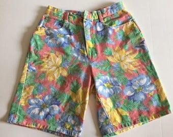 Vintage 90's High Waisted Hawaiian Print Shorts size 7