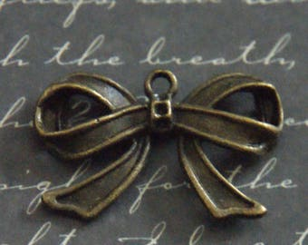 Large bow tie charm bronze 18x29mm