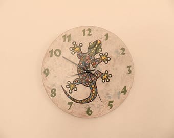 Gecko clock, nurcery clock  vintage background animal clock, hand painted marble background, handmade clock, gift for girl or boy, clock