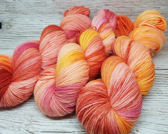 Handdyed yarn, handpainted wool Merino high twist 4