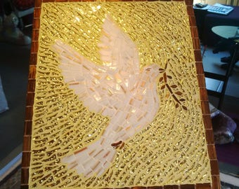 Gold mosaic Dove white background - glass vétrocristal