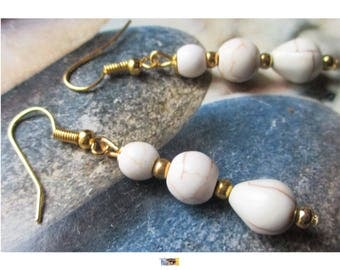 """Earring """"Howlite beads Trio"""" ivory metal antique gold"""