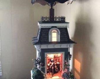 QUEEN VICTORIA, dollhouse table lamp, handmade light, custom lamp, table lamp , unique lighting , dollhouse