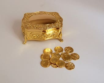 Gold Footed Floral Engraving Wedding Arras Box with Coins Set