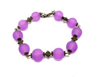 Bracelet purple violet glass beads