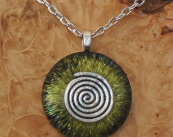 Orgone Energy Cosmic Spiral Green Chakra-Tuning 27mm Unisex Pendant Necklace harmonizing crystals Moldavite Tourmaline