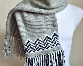 Hand knitted unisex ''Twin peaks'' scarf