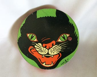 Vintage COHN Halloween Tin Toy Noisemaker BLACK CAT, 1940s Rare Green Black Mean Cat Round Halloween Noisemaker, Vintage Halloween Litho Toy