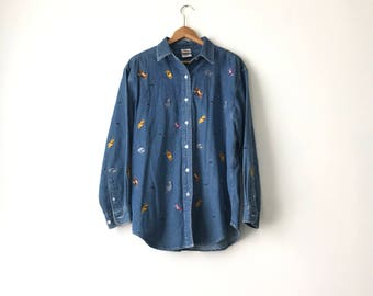POOH DENIM SHIRT // 90s // Womens X-Large // Denim Shirt // Winne The Pooh // Pooh Shirt / Tigger Shirt / Pooh Shirt // Winne The Pooh Shirt