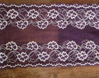Stretch Lace - Eggplant & White