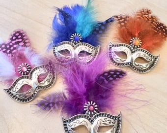 """Brooch """"Carnival of Venice"""" with Venetian mask, feathers, Swarovski crystal, available in 5 colours"""