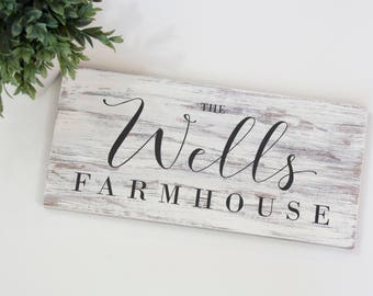 Personalized Name Sign – Rustic Wooden Sign – Family Name Sign – Custom Last Name Sign – Farmhouse Wall Decor – Personalized Wedding Gift