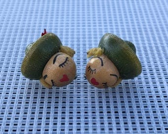 Vintage Clip On Earrings // 40s Earrings // Wood Earrings // Red Lips and Eyelashes Lady with Hat // Vintage Lady Face