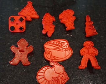 Collection of 9 Vintage Cookie Cutters/ Holiday Cookie Cutters / Tupperware / Betty Crocker