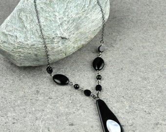 Layered Obsidian and Agate Pendant Necklace