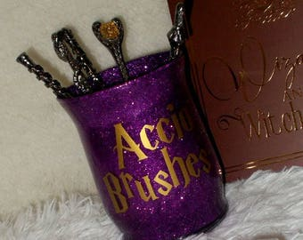 Accio Brushes || Makeup Brush Holder