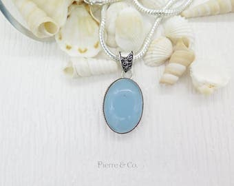 Vintage Chalcedony Sterling Silver Pendant and Chain