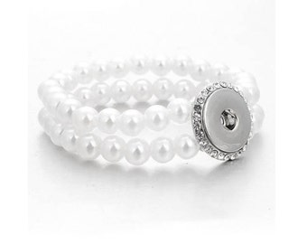 Snap Bracelet Pearl and Rhinestone Stretchy Snap Bracelet, White/Silvertone. Fits 18-20mm Ginger Snaps, Noosa, Magnolia and Vine B24-A