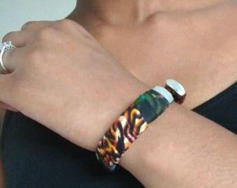 Bracelet for women in wax and metal