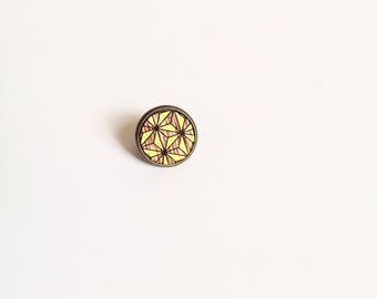 """Badges """"Kachiko"""" mahogany wood - geometric floral patterns painted in yellow"""