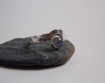 Stackable silver ring with a Labradorite stone set.