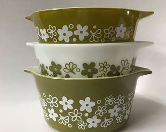 Vintage Pyrex spring blossom green round casserole sets without lids 471 472 473