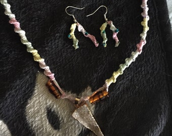 Handmade hemp necklace with agate pendant and hemp earrings