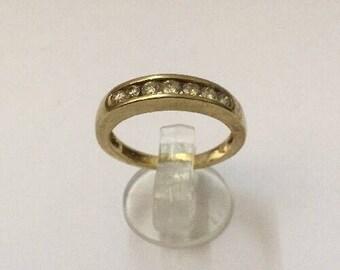9ct Gold & Diamond Ring - Hallmarked - Size 6 (UK L)