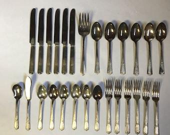 Wallace Deerfield Silverplate, 1933, 27 piece set