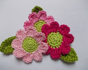 3 crochet flowers with leaves-5.5 cm-pink/pink
