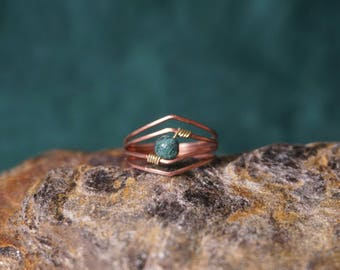 Copper geometric ring with a MOSS agate.