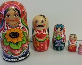 Very pretty nesting dolls Ukraine, Russian doll, nesting dolls 5 PCs.