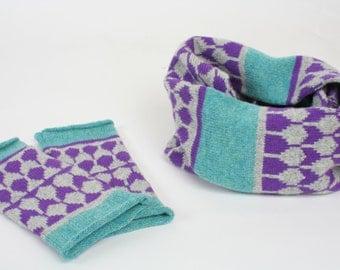 Cashmere cowl & mitts gift set - knitted wristwarmers cashmere cowl - fairisle pattern - Luxury grey green purple fingerless mitts and cowl
