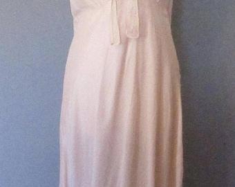 Mid-Summer Sale 20%OFF Barbizon 40s Light Pink Nightgown