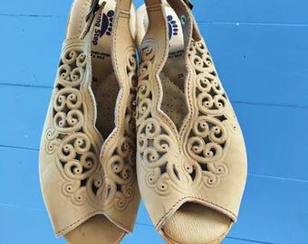 Vintage Cork Wedge Open Toe Tan Suede Shoes, Women's Size 5, Vintage Italian Spring Step Wedges, Vintage Wedge Sandals
