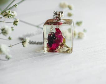 Real rose necklace Terrarium jewelry Nature resin jewelry Botanical resin jewelry Nature Jewelry Botanical jewelry  Square necklace