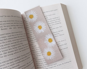 Watercolor daisies bookmark