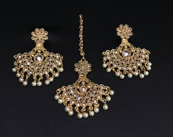 Indian Earrings and Tikka Set - Indian Jewelry Set - Indian Bridal Tikka - Indian Earrings - Pakistani Jewelry - Pakistani Earrings - Desi -