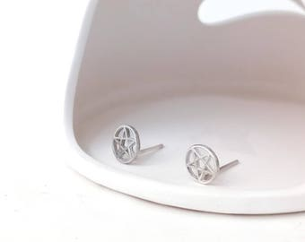 Simple Circle Stars Sterling Silver / 925 Silver Stud Earrings (SE005)