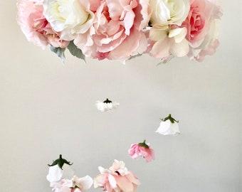 Flower Mobile, Nursery Mobile, Baby Girl Mobile, Princess Mobile, Floral Mobile, Pink Mobile, Flower chandelier