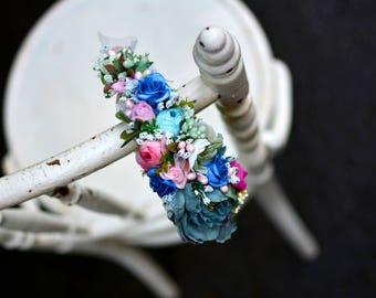 Asymetric floral headdress with pearl details