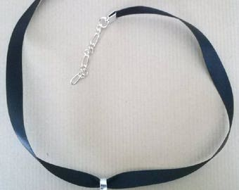 short necklace with pendant wood inlay