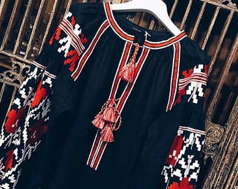 Oversized Linen Top Ukraine Vyshyvanka Embroidered Black Linen Blouse Bohemian Style Mexican Blouse Black Shirt Chic Nationale Soft Linen