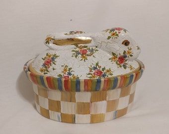 Bunny dish with lid
