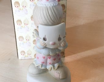 Vintage Precious Moments Put On A Happy Face Special Edition  For Members Of The Precious Moments Collectors Club Figurine PM-322