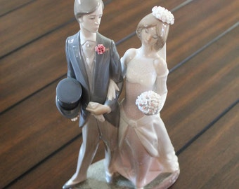 "Large Lladro Figurine - Bride and Groom 1404 ""1982"" No Box"