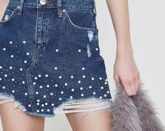 Blue faux pearl embellished denim mini skirt